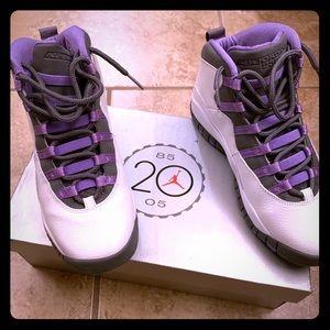 Jordan retro sneakers.